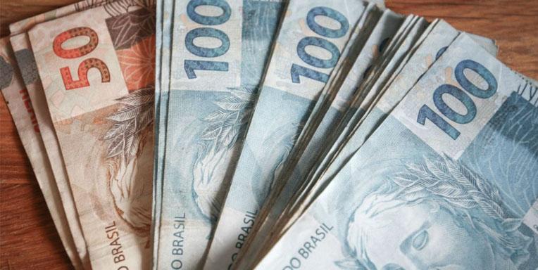 Auxílio emergencial de R$ 600 para autônomos desempregados e MEI é aprovado